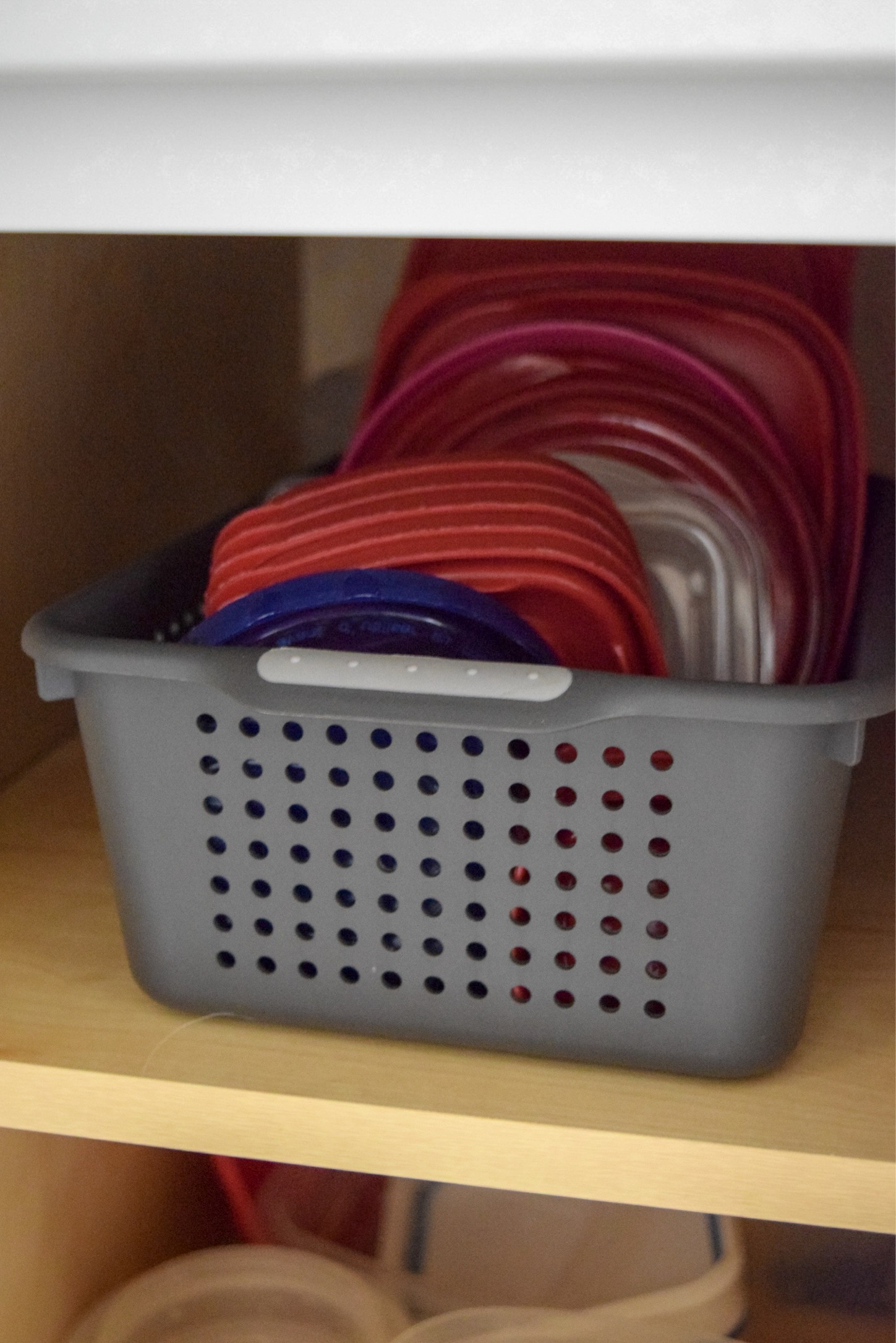 Organize Tupperware On A Budget Stop The Cabinet Tupperware Avalanches